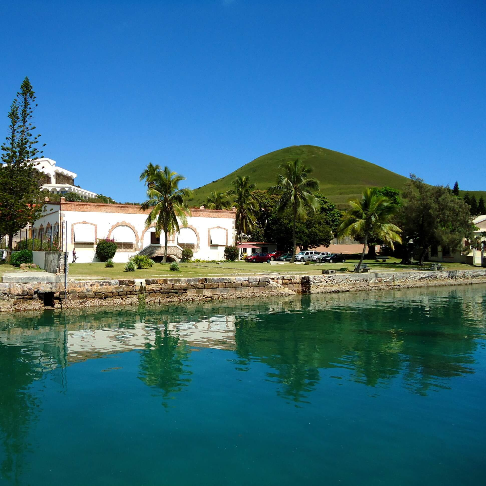 Study at CREIPAC on your educational language trip to Noumea